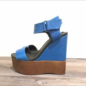 Blue and brown wedges